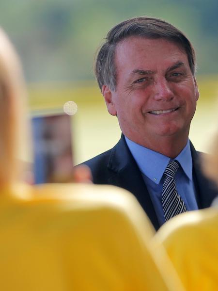 Bolsonaro comentou declarações de Mourão em conversa com jornalistas - ADRIANO MACHADO