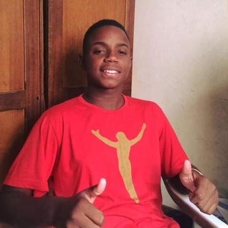João Vitor da Rocha, 18, é assassinado durante entrega de cestas básicas - Reprodução