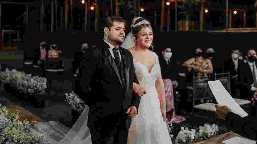 Casal consegue na justiça autorização para realizar casamento no interior de SP - Stefan Bambonato