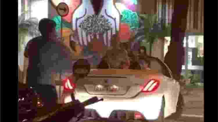 Vídeo com briga de mulher em um conversível no Leblon viralizou nas redes - Reprodução/Twitter - Reprodução/Twitter