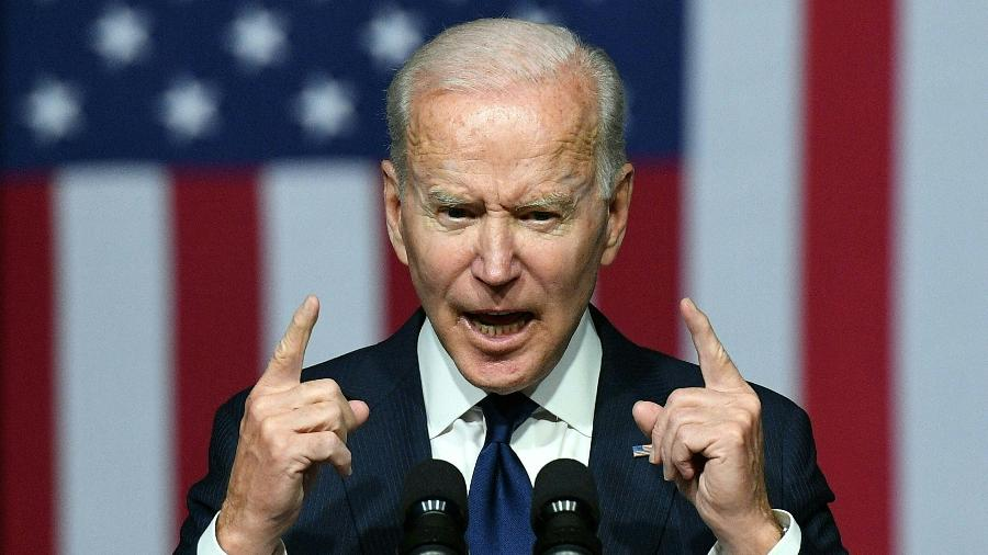 """Biden disse que medida reconhece """"a erosão significativa"""" dos direitos e liberdades na ex-colônia britânica - Mandel Ngan/AFP"""