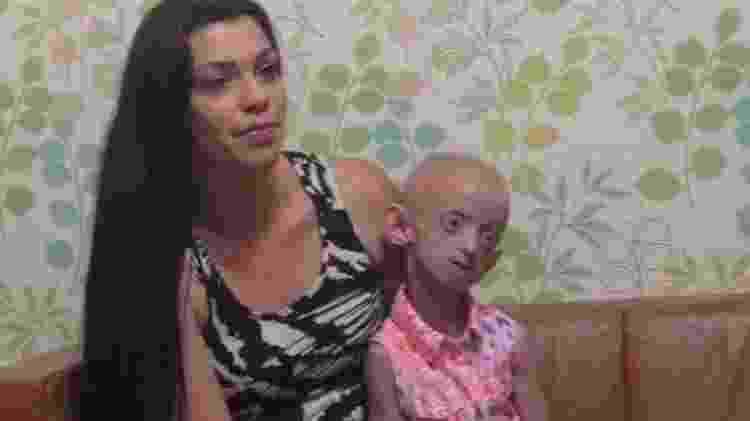 Ashanti e a mãe - Reprodução/Facebook/Phoebe Louise Smith - Reprodução/Facebook/Phoebe Louise Smith