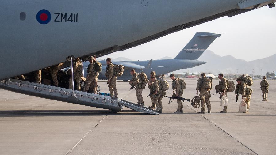28.ago.2021 - Reino Unido retira tropas de Cabul, no Afeganistão, e deixa centenas de afegãos para trás - Reprodução / Twitter