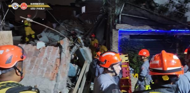 Sobrado desaba em Paraisópolis, São Paulo; 3 vítimas foram resgatadas