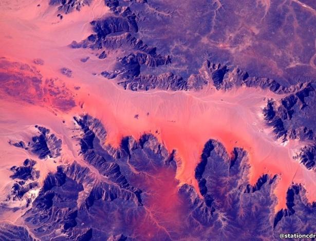 2.mar.2016 - A pesquisa é importante, já que uma viagem espacial a Marte levaria um ano. Na foto, cores da África