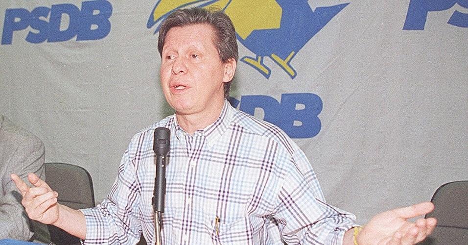 ENTRADA NO PSDB - Arthur Virgílio Neto só viria a entrar no PSDB em 1989. O político atuou como um dos fundadores do partido. Na foto de 22 de junho de 1997, o tucano aparece já como deputado e secretário-geral do PSDB