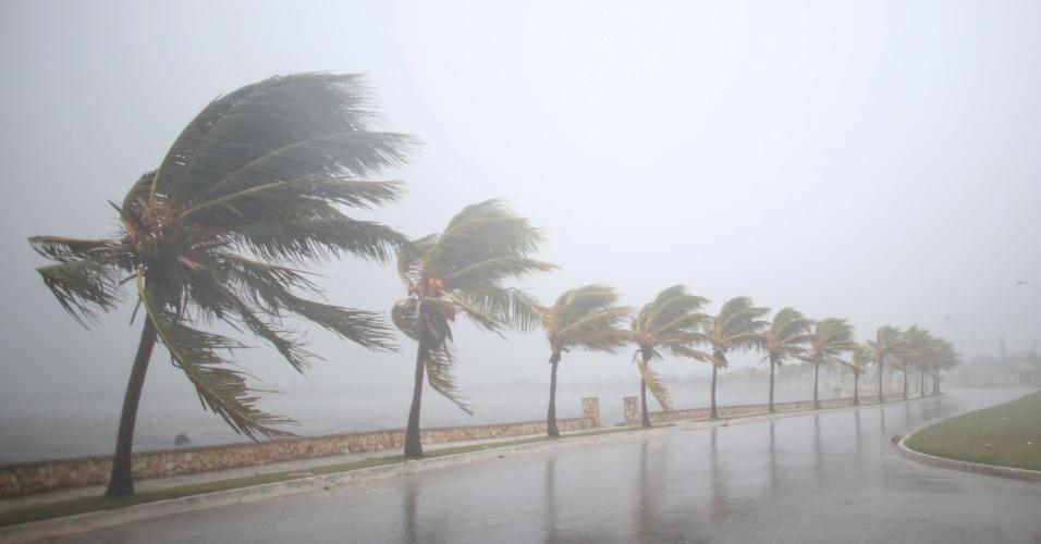 8.set.2017 - Tempestade do furacão Irma atinge o norte de Cuba