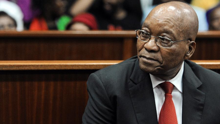 6.abr.2018 - O ex-presidente sul-africano Jacob Zuma no tribunal em Durban - Felix Dlangamandla/AFP