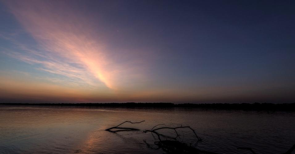 O rio Uruguai corta a fronteira entre São Borja (RS) e a cidade argentina de Santo Tomé, na província de Corrientes; desde 1997, as duas cidades são ligadas pela Ponte Internacional da Integração