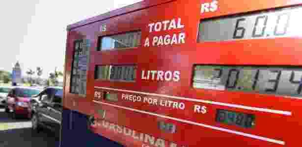 Posto em Brasília vende gasolina a R$ 2,98 como parte do Dia da Liberdade de Impostos - Marcelo Camargo/Agência Brasil