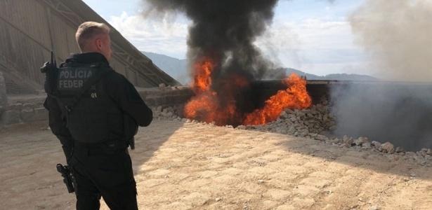 Foram queimados 819 kg de maconha e 2,7 kg de cocaína - Divulgação