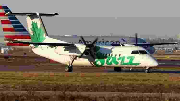 Avião Dash 8-300 igual ao que perdeu a roda em voo no Canadá - Divulgação - Divulgação