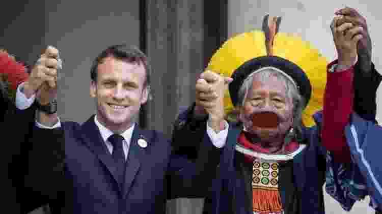 O presidente da França, Emmanuel Macron, recebeu Raoni no Palácio do Eliseu, em maio, quando se comprometeu a apoiar suas bandeiras - AFP - AFP