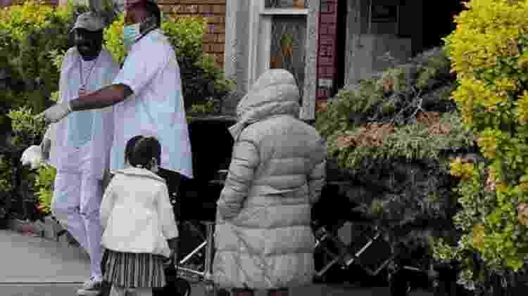 Estudos indicam que há preconceito implícito no sistema de saúde americano - Reuters - Reuters