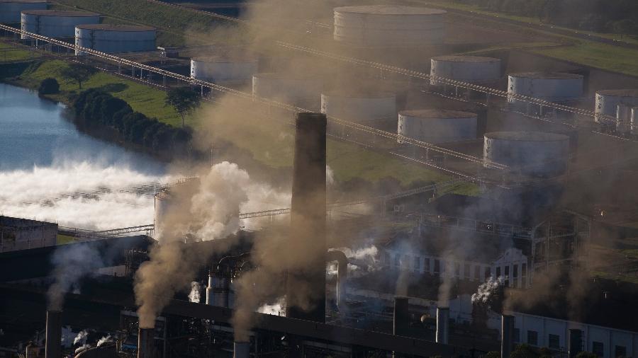 A nova meta climática é apoiada por bilhões de dólares em novos fundos para ajudar as empresas canadenses a reduzirem suas emissões de CO2 - Getty Images