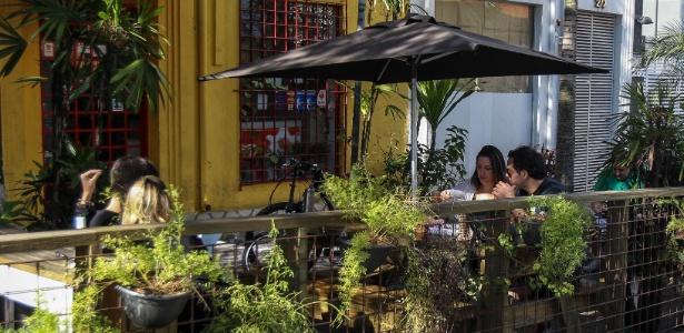 Parklet instalado no bairro de Pinheiros, na zona oeste de SP