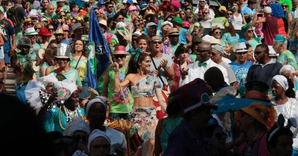 31.jan.2016 - O bloco de carnaval Suvaco do Cristo desfila pelas ruas do Jardim Botânico, na zona sul do Rio de Janeiro (RJ), neste domingo (31)