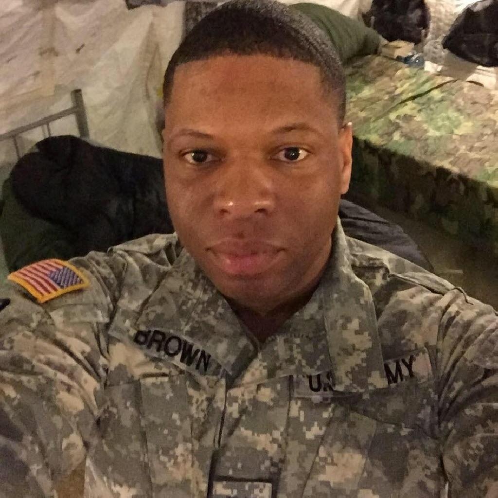 14.jun.2016 - Antonio Davon Brown, 29, foi uma das vítimas do massacre da boate Pulse, em Orlando (EUA). Brown entrou para o Exército dos Estados Unidos em 2008, logo após terminar a escola, e participou de ações no Kuwait