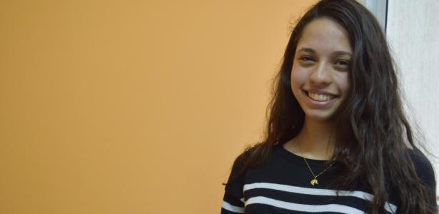 """A estudante Ana Júlia, 16: """"Somos doutrinados por quem, por quê? Não posso pensar diferente, simplesmente? Não acho que os que quem pensam o contrário sejam doutrinados"""" - Janaina Garcia/UOL"""