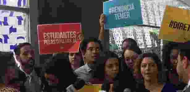 Presidente da UNE, Carina Vital, fala sobre o pedido de eleições diretas - Luciana Amaral/UOL