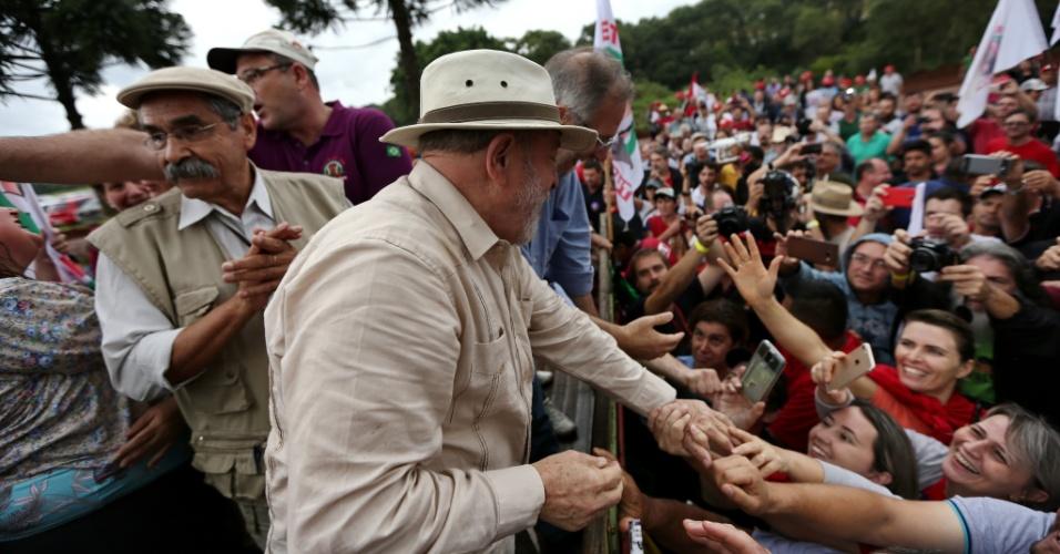 23.mar.2018 - A caravana do ex-presidente Luiz Inácio Lula da Silva passa pela cidade de Ronda Alta, no Rio Grande do Sul, nesta sexta-feira