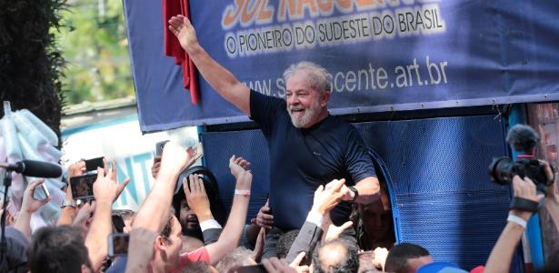 Advogados sem relação com a defesa de Lula tentam reverter a prisão do ex-presidente