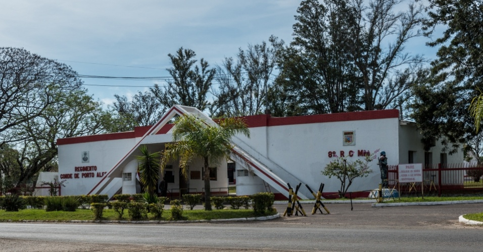 Entrada do 8º Regimento de Cavalaria Mecanizado (RC Mec), em Uruguaiana (RS). Malhães disse ter usado cárceres clandestinos provisórios em todas as cidades que tinham quartéis da Cavalaria, arma na qual o ex-agente do CIE se formou na Academia Militar das Agulhas Negras
