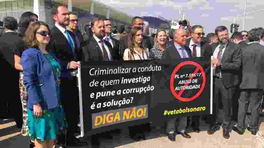 Brasília tem protesto a favor de vetos no projeto de abuso de autoridade - Luciana Amaral/UOL