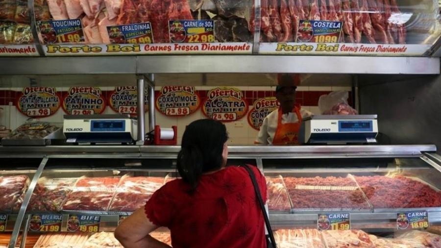30.nov.2019 - Segundo a Associação Brasileira de Supermercados (Abras), em menos de três meses o custo do contrafilé subiu 50% para os supermercados; o do coxão mole, 46%. Por isso, foram repassados aos consumidores - Amanda Perobelli/Reuters