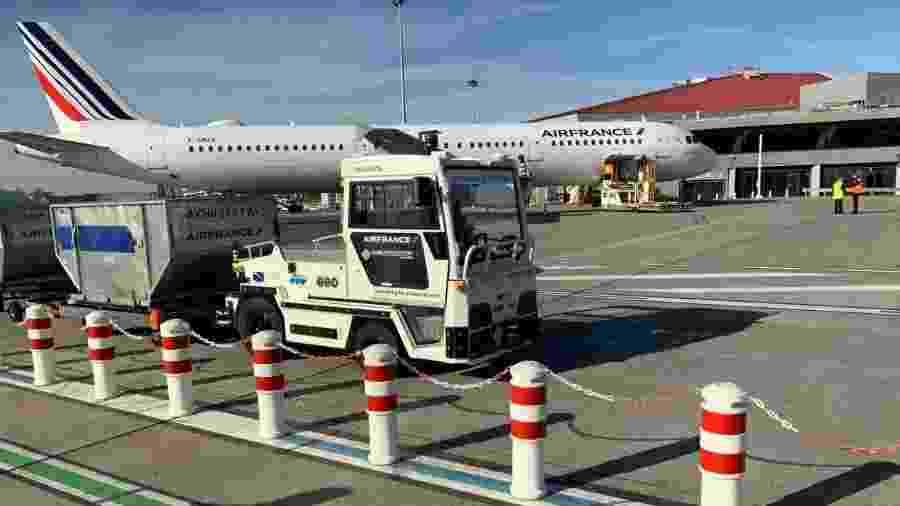 Tract AT135, veículo automático da Air France em operação no aeroporto de Toulouse - Divulgação/Air France
