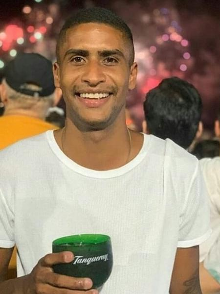 Angelo Gustavo Pereira, produtor cultural de 28 anos, foi condenado por roubo a mão armada com base apenas no reconhecimento fotográfico informal da vítima a partir de fotos em rede social - Arquivo Pessoal