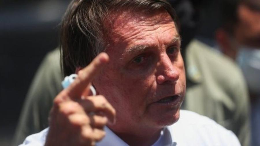 Mesmo quem já teve covid-19, como Bolsonaro, deve se vacinar, alerta infectologista - Reuters