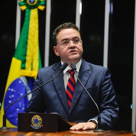 O senador Roberto Rocha (PSDB-MA), relator da PEC 110, que propõe reforma na tributação sobre o consumo - Divulgação