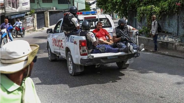 Segundo a polícia haitiana, os suspeitos são de origem colombiana - AFP / BBC News Brasil - AFP / BBC News Brasil
