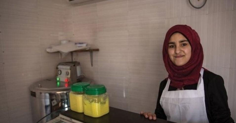 9.fev.2016 - Bassima, 17, gosta de culinária e quer ser chef. Sua ambição é ter um restaurante próprio, com um menu feito por ela e