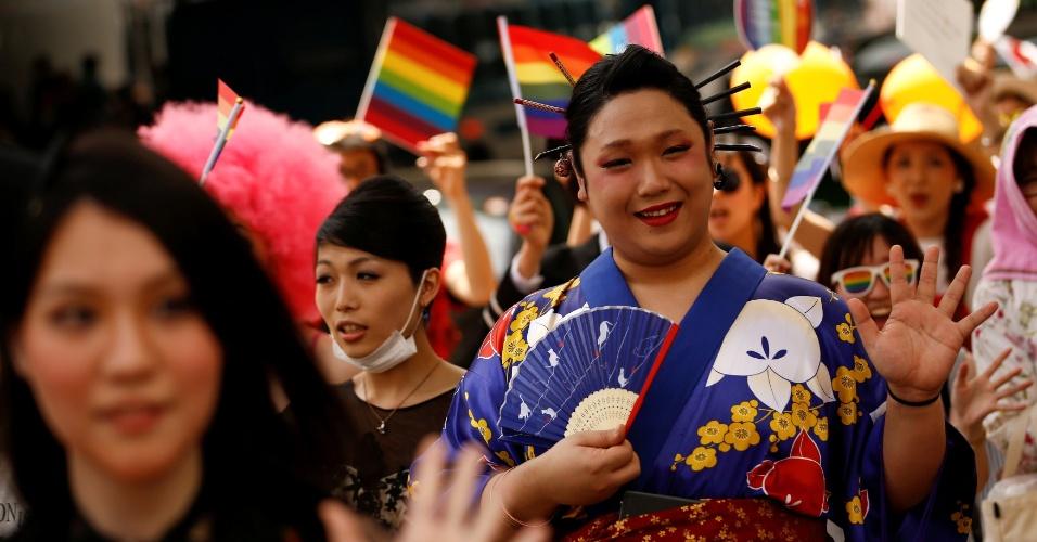 8.mai.2016 - Japoneses participam da Parada do Orgulho Gay em Tóquio