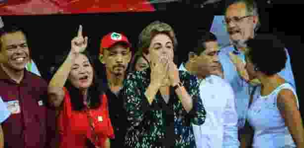 A presidente afastada, Dilma Rousseff, participa de ato em apoio à retomada de seu mandato, na Praça Floriano Peixoto, em Belém. O ato é organizado pela Frente Brasil Popular do Pará - Tarso Sarraf/Estadão Conteúdo