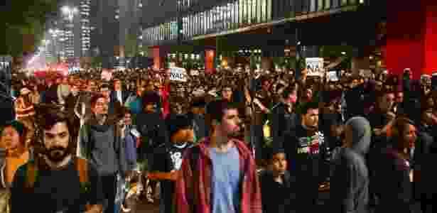 Estudantes fazem ato na avenida Paulista, em São Paulo, contra a reforma do ensino - Rovena Rosa/ABr