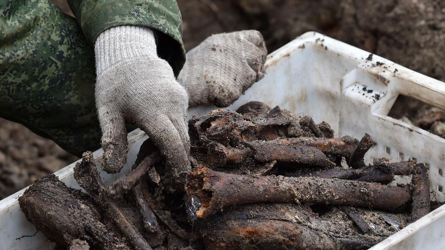 Em Belarus, ossos de prisioneiros judeus mortos na segunda guerra mundial foram encontrados - AFP