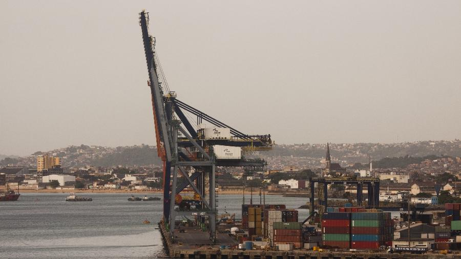 O terminal Terminal de Contêineres do Porto de Salvador - Marcelo Justo - 2.jan.2012/Folhapress