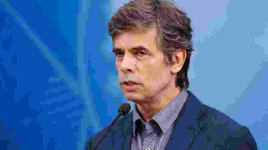 16.abr.2020 - O oncologista Nelson Teich, novo ministro da Saúde, durante pronunciamento no Palácio do Planalto - Alan Santos/Presidência da República