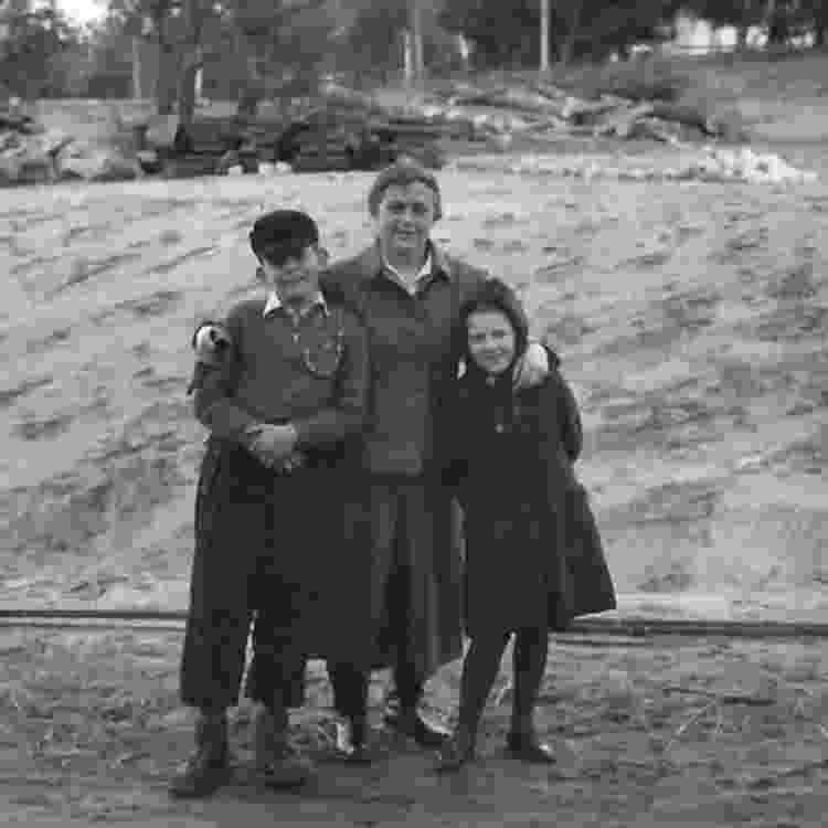 Guarda Johanna Langefeld com seu filho e a filha de outra colega - Gedenkstätte Ravensbrück - Gedenkstätte Ravensbrück