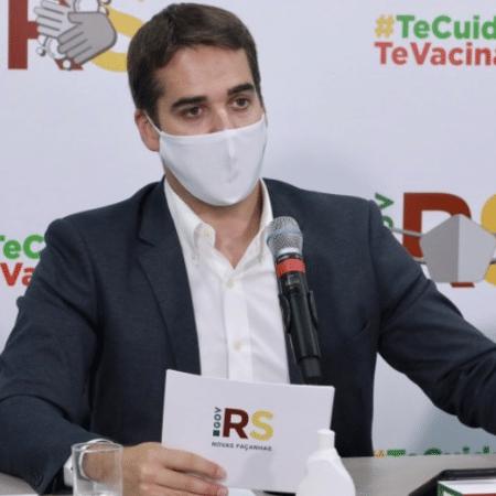 """Arquivo - Para Eduardo Leite (PSDB), governador gaúcho, a intenção do governo federal é """"terceirizar responsabilidades"""" - Itamar Aguiar/Palácio Piratini"""