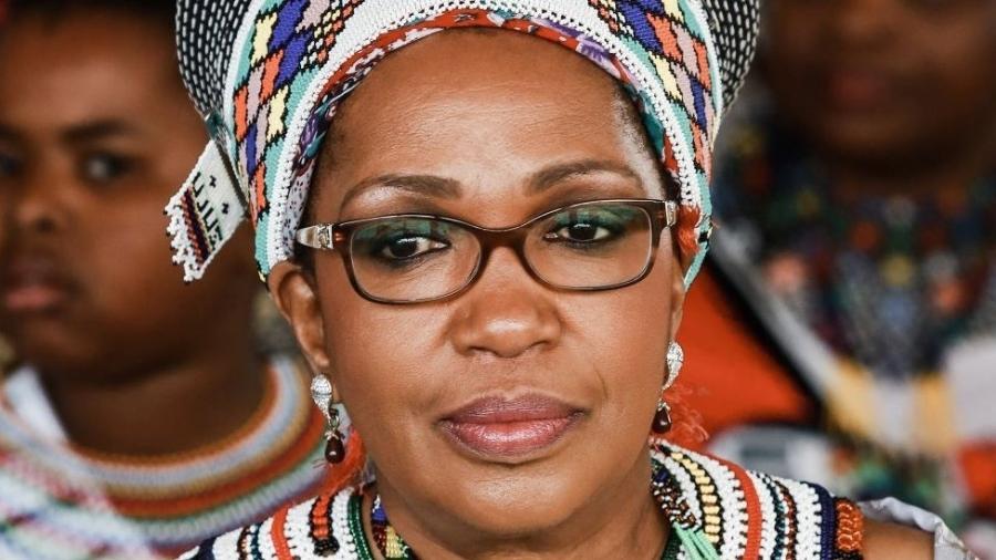 A rainha Mantfombi Dlamini Zulu em foto de 2013; ela morreu um mês após assumir como regente da nação zulu - AFP