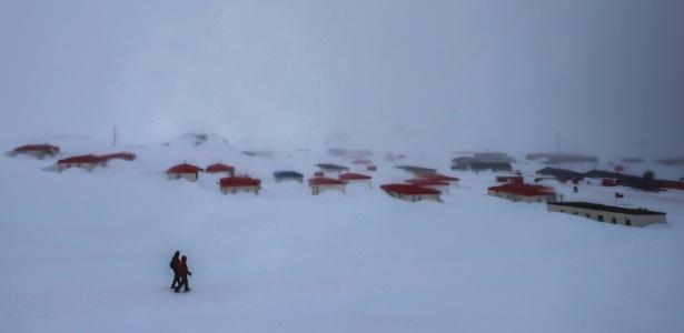 Cidade de Villa Las Estrellas, base da Força Aérea Chilena na Antártida