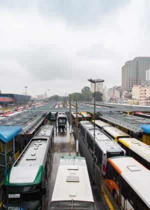 Motoristas e cobradores prometem nova paralisação nos terminais de São Paulo