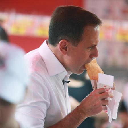 Doria durante atividade de campanha para a prefeitura, há dois anos - Jorge Araujo/Folhapress