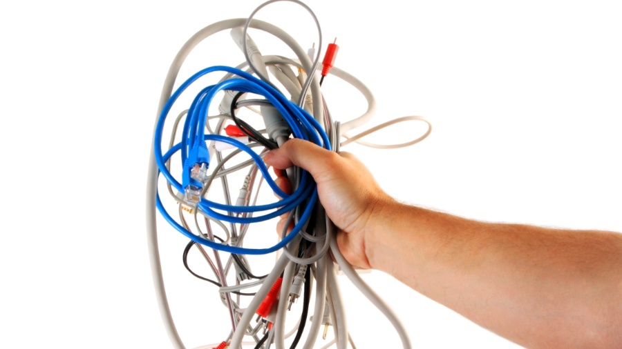 Fios embolados podem estragar a decoração da sua casa; veja como resolver - iStock