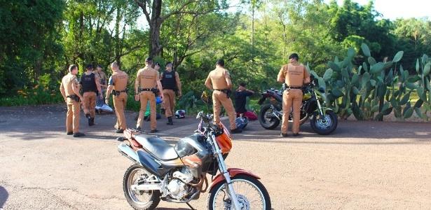 """""""Pegadinha"""" com arma de brinquedo em Rolândia, norte do Paraná, virou caso de polícia"""