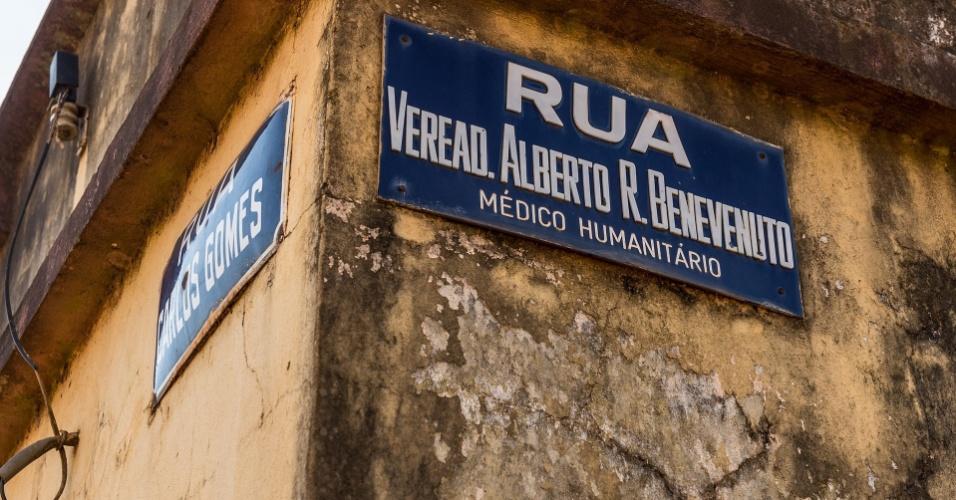 Nome de rua no bairro do Passo, em São Borja (RS), o médico Alberto Benevenuto morreu em acidente de carro em 1978; família questiona papel da repressão na morte até hoje